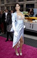 00907_s_al_reveals_victorias_secret_2_million_bombshell_fantasy_bra_in_nyc_20101020_21_123_561lo.jpg