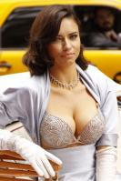 01021_s_al_reveals_victorias_secret_2_million_bombshell_fantasy_bra_in_nyc_20101020_1_123_693lo.jpg