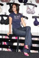 32576_Celebs4ever-com_Adriana_Lima_launches_the_BioFit_Uplift_bra_at_the_Victoria_s_Secret_store_in_Aventura_Florida_July_31_2008-121_122_483lo.jpg