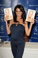 88392_Celebutopia-Katie_Price_signs_copies_of_her_new_book_Pushed_To_The_Limit_in_London-08_122_460lo.jpg