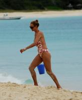 02832_Celebutopia_Uma_Thurman_on_holiday_in_the_Caribbean_10_122_587lo.jpg