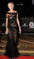 13519_Uma_Thurman-Swarovski_Fashion_Rocks_concert_in_London-01_122_929lo.jpg