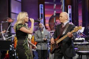 21209_CarrieUnderwood_tonight_show_13_122_470lo.jpg