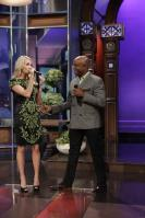 21223_CarrieUnderwood_tonight_show_18_122_522lo.jpg
