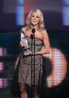 49720_celebrity-paradise.com-The_Elder-Carrie_Underwood_2010-01-06_-_36th_annual_People1s_Choice_Awards_6149_122_559lo.jpg
