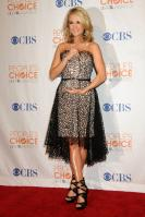 49991_celebrity-paradise.com-The_Elder-Carrie_Underwood_2010-01-06_-_36th_annual_People9s_Choice_Awards_4320_122_11lo.jpg