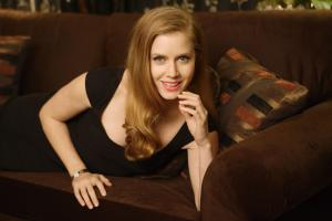 440721866_celeb_city.eu_Amy_Adams_Portrait_Session_in_LA_12_04_2007_001_122_11lo.jpg