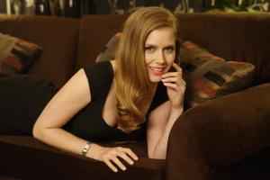 440819451_celeb_city.eu_Amy_Adams_Portrait_Session_in_LA_12_04_2007_005_122_830lo.jpg