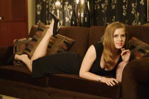 440845527_celeb_city.eu_Amy_Adams_Portrait_Session_in_LA_12_04_2007_006_122_347lo.jpg