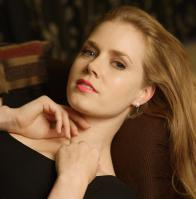 440968574_celeb_city.eu_Amy_Adams_Portrait_Session_in_LA_12_04_2007_011_122_377lo.jpg