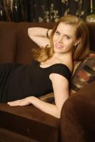 441105456_celeb_city.eu_Amy_Adams_Portrait_Session_in_LA_12_04_2007_017_122_819lo.jpg