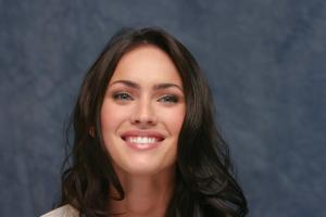 006387150_UploadedByKurupt_Megan_Fox_Transformers_press_conference_portraits_by_Munawar_Hosain_01_122_634lo.jpg