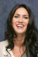 006409762_UploadedByKurupt_Megan_Fox_Transformers_press_conference_portraits_by_Munawar_Hosain_12_122_489lo.jpg