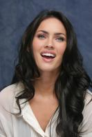 006420885_UploadedByKurupt_Megan_Fox_Transformers_press_conference_portraits_by_Munawar_Hosain_17_122_461lo.jpg