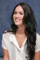 063849955_UploadedByKurupt_Megan_Fox_Transformers_press_conference_portraits_by_Munawar_Hosain_28_122_19lo.jpg