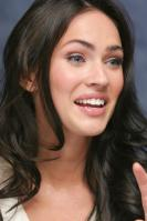 063948173_UploadedByKurupt_Megan_Fox_Transformers_press_conference_portraits_by_Munawar_Hosain_05_122_529lo.jpg