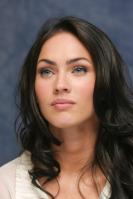 064111117_UploadedByKurupt_Megan_Fox_Transformers_press_conference_portraits_by_Munawar_Hosain_13_122_15lo.jpg