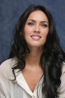 064243695_UploadedByKurupt_Megan_Fox_Transformers_press_conference_portraits_by_Munawar_Hosain_19_122_222lo.jpg