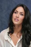 064269420_UploadedByKurupt_Megan_Fox_Transformers_press_conference_portraits_by_Munawar_Hosain_20_122_522lo.jpg