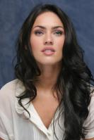 064287554_UploadedByKurupt_Megan_Fox_Transformers_press_conference_portraits_by_Munawar_Hosain_21_122_22lo.jpg