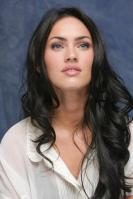 064325299_UploadedByKurupt_Megan_Fox_Transformers_press_conference_portraits_by_Munawar_Hosain_23_122_154lo.jpg