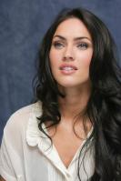 064341468_UploadedByKurupt_Megan_Fox_Transformers_press_conference_portraits_by_Munawar_Hosain_24_122_134lo.jpg