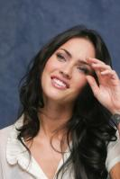 064363982_UploadedByKurupt_Megan_Fox_Transformers_press_conference_portraits_by_Munawar_Hosain_25_122_138lo.jpg