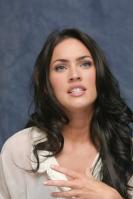 064398732_UploadedByKurupt_Megan_Fox_Transformers_press_conference_portraits_by_Munawar_Hosain_27_122_345lo.jpg