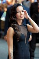 95885_Preppie_-_Megan_Fox_at_the_Late_Show_with_David_Letterman_-_June_25_2009_912_1341_122_28lo.jpg
