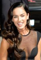 96213_Preppie_-_Megan_Fox_at_the_Late_Show_with_David_Letterman_-_June_25_2009_916_0305_122_625lo.jpg