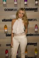 75830_Blake_Lively-Vitaminwater_Hosts_an_End-of-Summer_Hamptons_Bash_030_122_504lo.jpg
