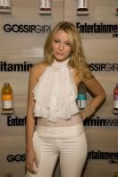 76040_Blake_Lively-Vitaminwater_Hosts_an_End-of-Summer_Hamptons_Bash_420_122_1016lo.jpg