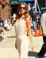 208689514_Kurupt_Rosie_Huntington_Whiteley_outside_Ed_Sullivan_Theater_for_Letterman_June15_2011_02_122_1139lo.jpg