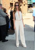 208955482_Kurupt_Rosie_Huntington_Whiteley_outside_Ed_Sullivan_Theater_for_Letterman_June15_2011_12_122_449lo.jpg