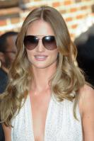 209047423_Kurupt_Rosie_Huntington_Whiteley_outside_Ed_Sullivan_Theater_for_Letterman_June15_2011_17_122_714lo.jpg