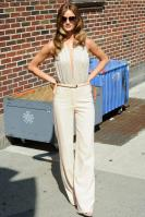 209068660_Kurupt_Rosie_Huntington_Whiteley_outside_Ed_Sullivan_Theater_for_Letterman_June15_2011_18_122_504lo.jpg