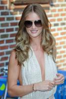 209087172_Kurupt_Rosie_Huntington_Whiteley_outside_Ed_Sullivan_Theater_for_Letterman_June15_2011_19_122_160lo.jpg