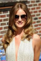 209107840_Kurupt_Rosie_Huntington_Whiteley_outside_Ed_Sullivan_Theater_for_Letterman_June15_2011_20_122_260lo.jpg