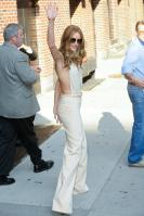 209122137_Kurupt_Rosie_Huntington_Whiteley_outside_Ed_Sullivan_Theater_for_Letterman_June15_2011_21_122_75lo.jpg