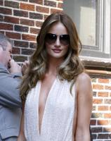 209422389_Kurupt_Rosie_Huntington_Whiteley_outside_Ed_Sullivan_Theater_for_Letterman_June15_2011_35_122_14lo.jpg