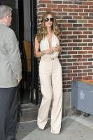 209465731_Kurupt_Rosie_Huntington_Whiteley_outside_Ed_Sullivan_Theater_for_Letterman_June15_2011_37_122_4lo.jpg