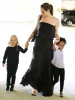 20558_Celebutopia-Angelina_Jolie_taking_daughters_to_a_kid_center_in_a_mall_in_LA-05_122_826lo.JPG