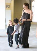 20900_Celebutopia-Angelina_Jolie_taking_daughters_to_a_kid_center_in_a_mall_in_LA-25_122_490lo.JPG