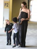 21136_Celebutopia-Angelina_Jolie_taking_daughters_to_a_kid_center_in_a_mall_in_LA-15_122_104lo.JPG