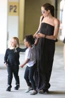 21182_Celebutopia-Angelina_Jolie_taking_daughters_to_a_kid_center_in_a_mall_in_LA-18_122_377lo.JPG