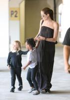 21341_Celebutopia-Angelina_Jolie_taking_daughters_to_a_kid_center_in_a_mall_in_LA-26_122_460lo.JPG