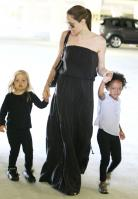 23850_Celebutopia-Angelina_Jolie_taking_daughters_to_a_kid_center_in_a_mall_in_LA-04_122_379lo.JPG