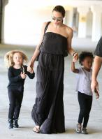 24100_Celebutopia-Angelina_Jolie_taking_daughters_to_a_kid_center_in_a_mall_in_LA-19_122_92lo.JPG