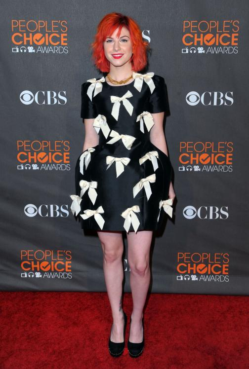 14238_HayleyWilliams_2010PeoplesChoiceAwards_6thJan_014_122_485lo.jpg