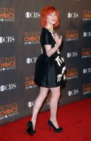 14056_HayleyWilliams_2010PeoplesChoiceAwards_6thJan_006_122_498lo.jpg